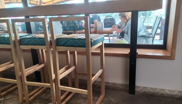 У Бердичеві голова дільничної комісії переписувала протоколи у кафе - ОПОРА