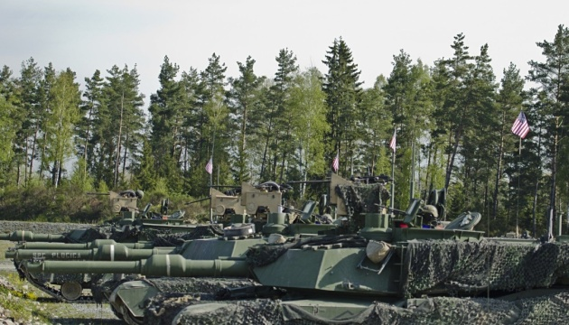 США проводят очередную ротацию бронетанковых войск в Европе