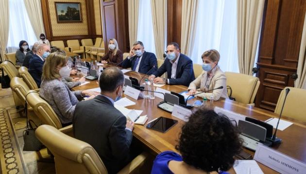 Єрмак розповів послам G7 про зрив окупантами «тиші» на Донбасі