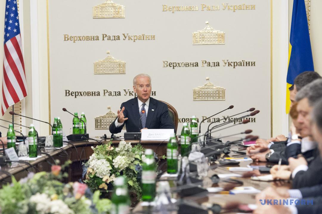 Віце-президент США Джо Байден на зустрічі з народними депутатами - лідерами депутатських фракцій і груп Верховної Ради України, Київ, 22 квітня 2014 року.