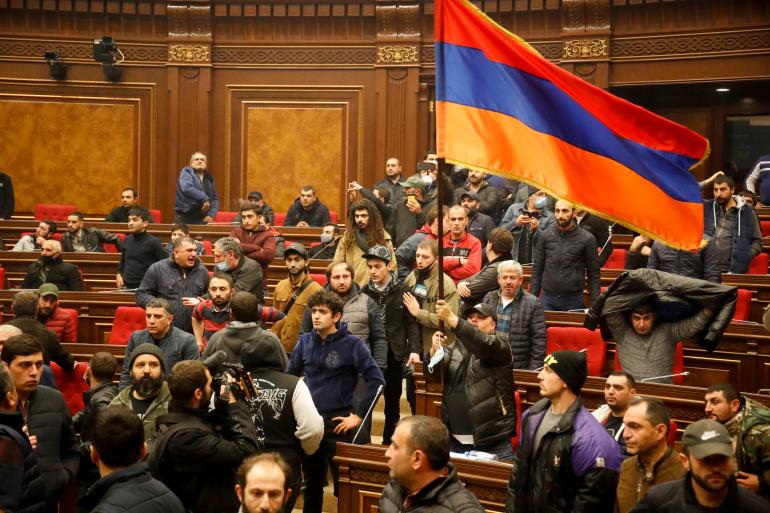 Захоплення і розгром будинків уряду та парламенту – це як найточніший аналіз стану вірменського суспільства
