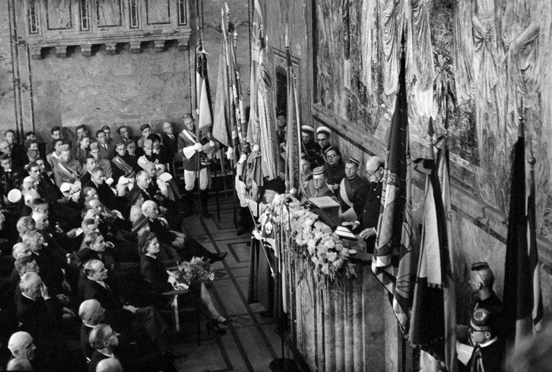 Вінстон Черчилль виступає в університеті Цюриха