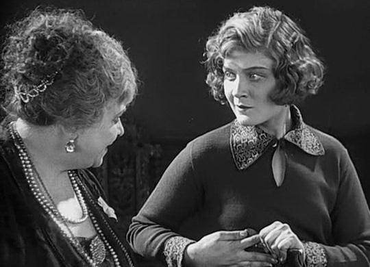 Гувернантка в фильме «Белый орёл», 1928 г.