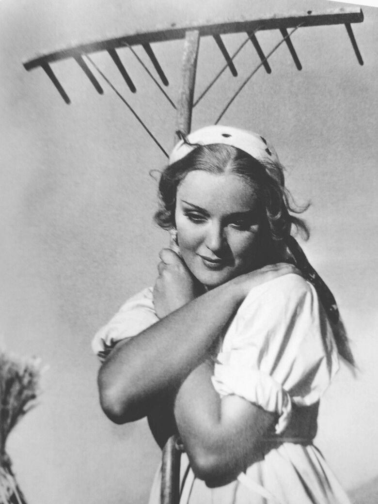 Катюша Маслова в фильме «Мы снова живы», США, 1934 г. 2