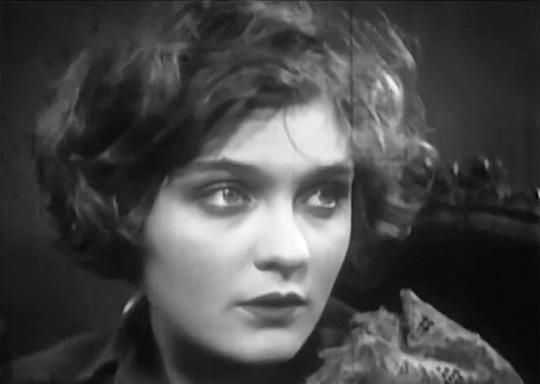 Ольга Сурина в фильме «Мой сын», 1928 г.