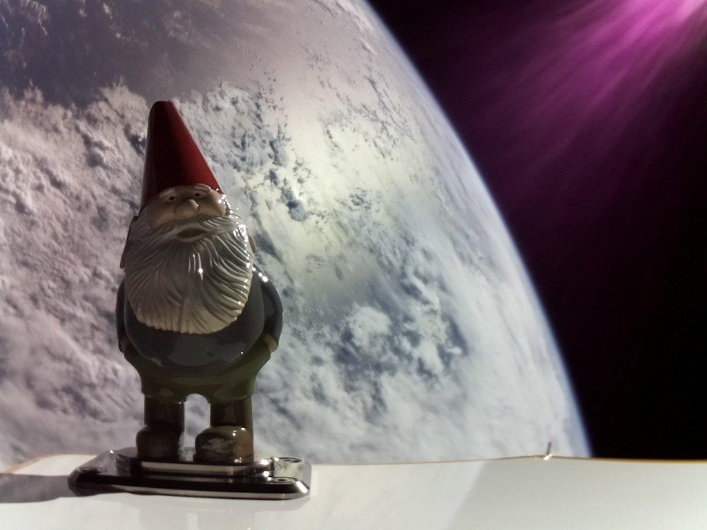 Rocket Lab впервые вернула запущенную ракету на парашюте