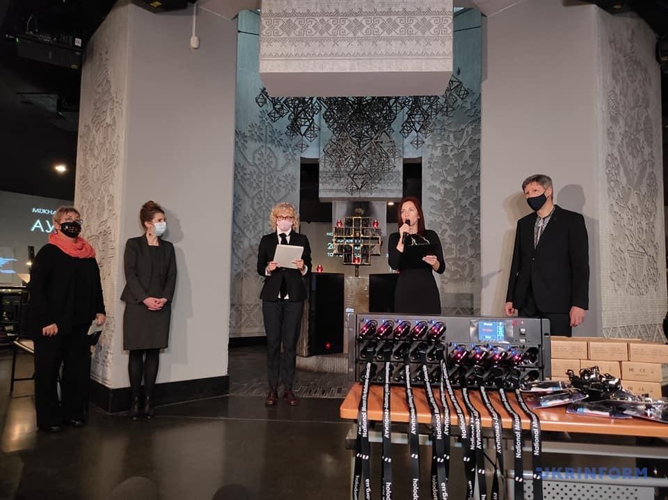 «Аудиогид для каждого» предлагает экскурсию по музею Голодомора-геноцида 33 языках