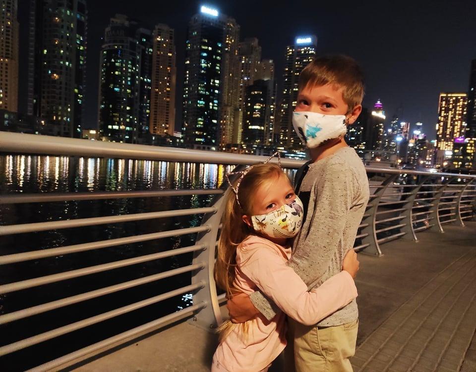 на вулицях Дубаї діти повинні перебувати в масках