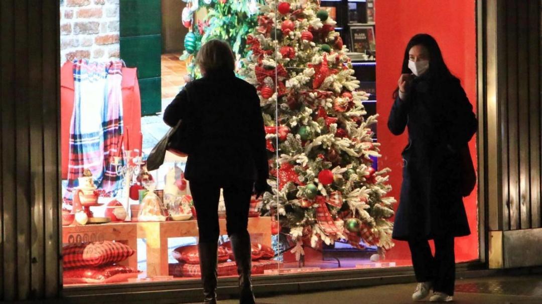 З 28 листопада у Франції знову відкриються магазини