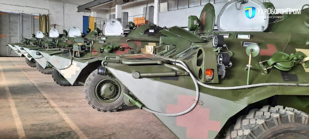 Николаевский бронетанковый передал армии обновленные БТР-80
