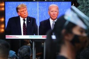 Трамп назвал условие, при котором пустит Байдена в Белый дом