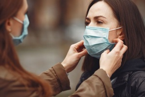 Українці стали менше боятися, що захворіють на COVID-19