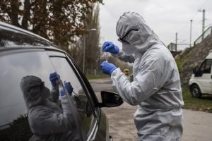 Угорщина посилює карантин через зростання COVID-смертності