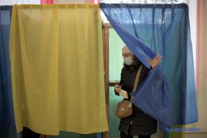 Сьогодні у 13 областях - повторні місцеві вибори
