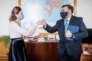 Dzhaparova se reúne con el Embajador de Chipre para tratar la Plataforma de Crimea