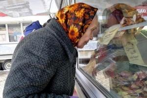 Майже половині українців грошей вистачає лише на їжу