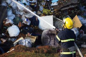 Під Миколаєвом сталася пожежа на звалищі
