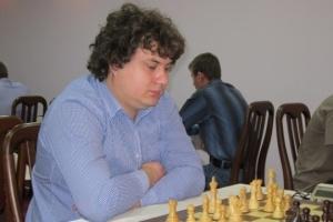 На чемпіонаті України із шахів попереду йде лідер рейтингу Коробов