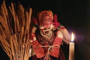 «Ляльки для ненароджених»: українські майстрині представляють проєкт до 87-х роковин Голодомору