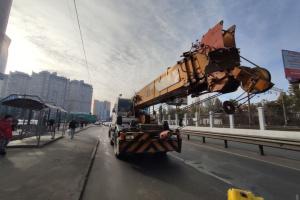 В Одессе автокран столкнулся с маршруткой, есть травмированные