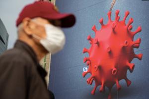 Коронавірус у Польщі: за добу - 15 300 випадків, померли 674 хворих