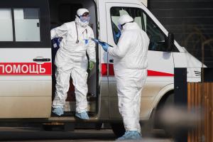 В России - второй день подряд рекордное количество смертей от COVID-19