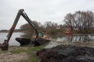У Прилуках чистять річку Удай, до кінця року мають виконати перший етап проєкту