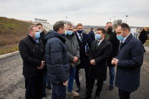 Президент ознайомився з об'єктами «Великого будівництва» на Дніпропетровщині
