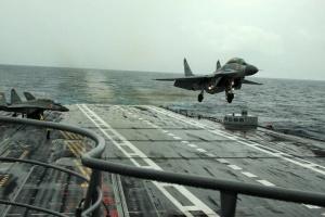 В Индии в море упал МиГ-29К, пилота ищут