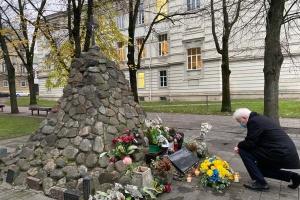 У Вільнюсі віддали шану пам'яті жертв Голодомору