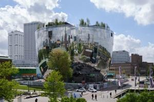 Роттердам запустив туристичний AR-маршрут деревами
