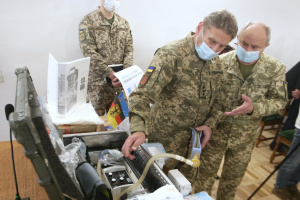 Германия передала украинской армии 20 аппаратов ИВЛ