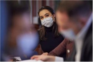 Помощь украинцам в условиях пандемии: Мендель отметила слаженную работу властей