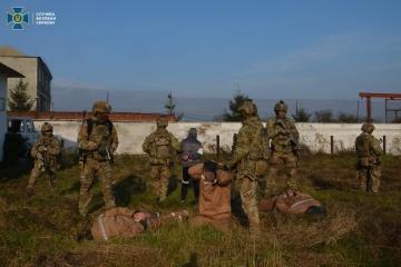 El SBU realiza ejercicios antiterroristas en una colonia penitenciaria