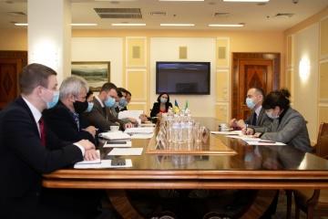 Krykliy anuncia una posible cooperación con Italia en el desarrollo del ferrocarril de alta velocidad