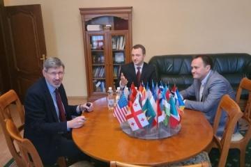 UWC representative, language ombudsman discuss cultural cooperation