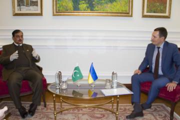 Ucrania dispuesta a encontrar nuevas áreas de cooperación con Pakistán