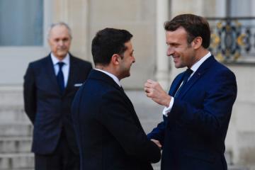 Zelensky trata con Macron reunión en el formato Normandía