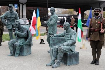 W Polsce odsłonięto pomnik Symona Petlury