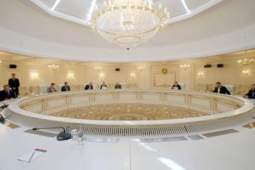 Grupo de Contacto Trilateral aborda el intercambio de presos y el plan de Kravchuk