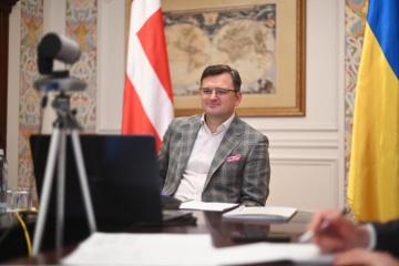 Kouleba remercie le Danemark d'avoir fourni 50 respirateurs médicaux à l'Ukraine