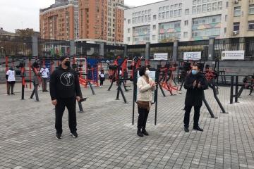 Inauguradas máquinas de ejercicio al aire libre en el territorio del Complejo Deportivo Nacional Olimpiysky en Kyiv