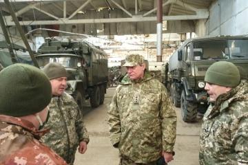 Urusky visita la zona de la OFC: El equipo militar necesita renovación