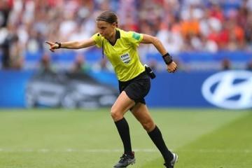 Dynamo trifft Juventus: Stephanie Frappart leitet als erste Frau ein Spiel in Champions League
