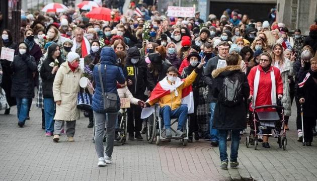 Правозахисники повідомили про понад 30 затриманих на протестах в Білорусі