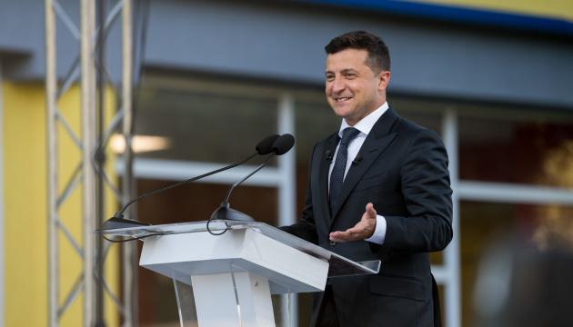 43% Ukraińców ufa Zełenskiemu – sondaż