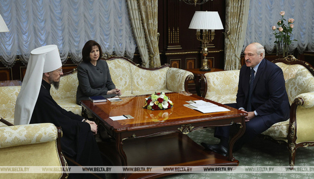 Лукашенко каже, що глава католиків Білорусі питав у Польщі, «як зруйнувати країну»