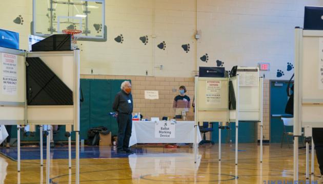 Поштова служба США планує доправити всі виборчі бюлетені до суботи