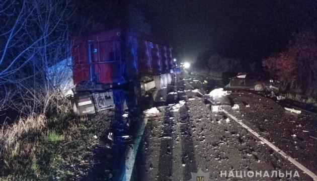 На Полтавщині прокурор із дружиною і дитиною загинули при зіткненні Lexus із вантажівкою