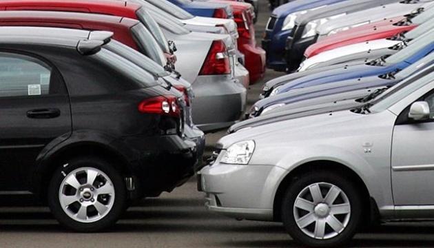 Rynek nowych samochodów osobowych w październiku zmniejszył się o 6% - eksperci
